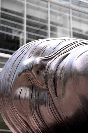 canary wharf bronze & hollow